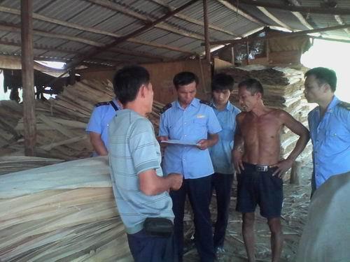 玉林福绵工商对木材加工厂进行专项检查