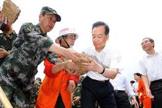 溫家寶總理在廣西指導防汛抗洪救災工作