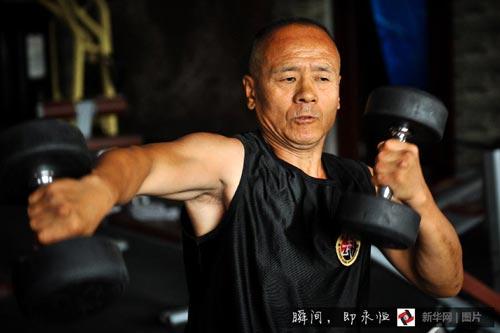 """百態:六旬""""搏擊爺爺""""的武術人生"""