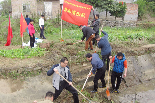 農行桂平市支行積極參加春修水利活動