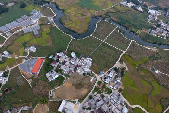 廣西馬山:鑲嵌在群山中的旅遊扶貧村