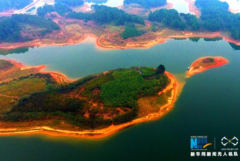 航拍廣西生態金山湖 一年四季盡染綠