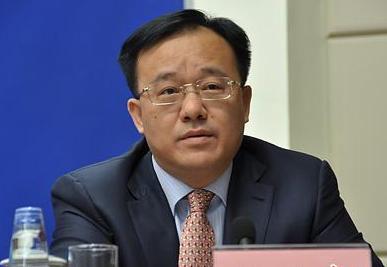 黃俊華:深入剖析原因 破解發展難題
