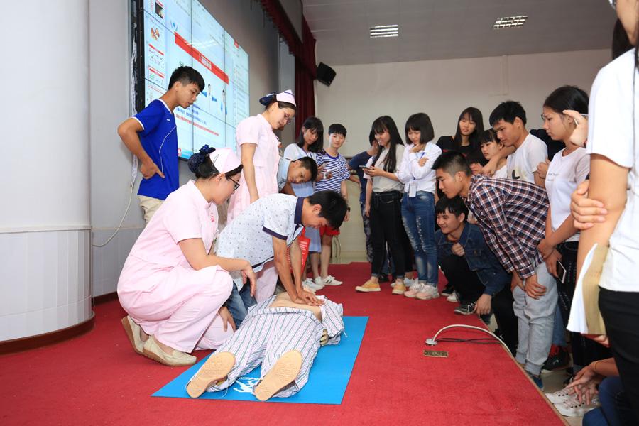 靈山:健康知識講座進校園