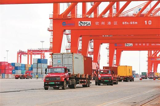 欽州港口岸上半年完成出入境貨物檢驗檢疫9267批次
