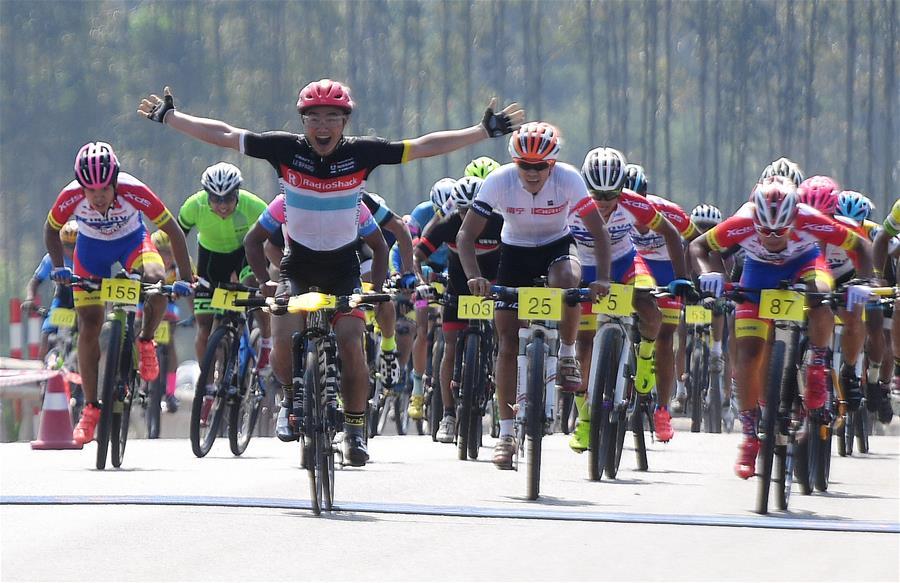 自行車——環廣西公路自行車世界巡回賽預熱賽舉行