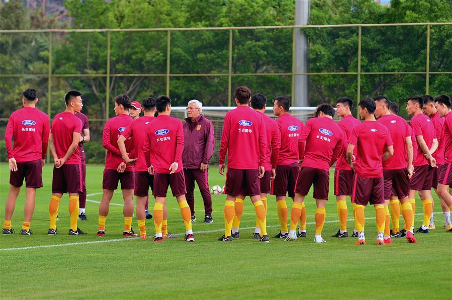 足球——中國杯:國足賽前備戰