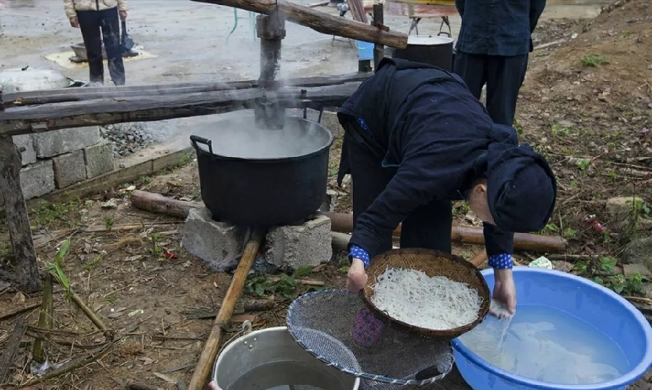 在龍州竟然還保留著這麼原始的生榨米粉