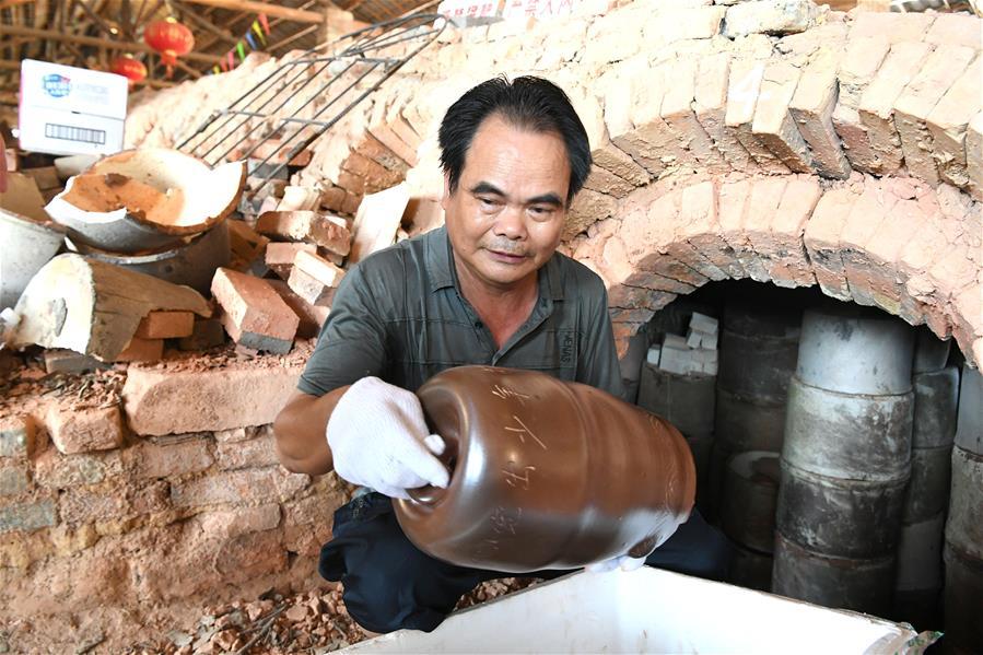 廣西欽州:古窯再開窯 古陶煥生機