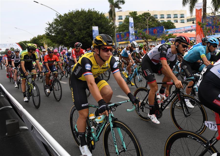 自行車——2018環廣西公路自行車世界巡回賽開賽