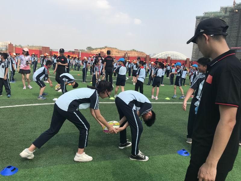 開課啦!觸式橄欖球課程首登廣西