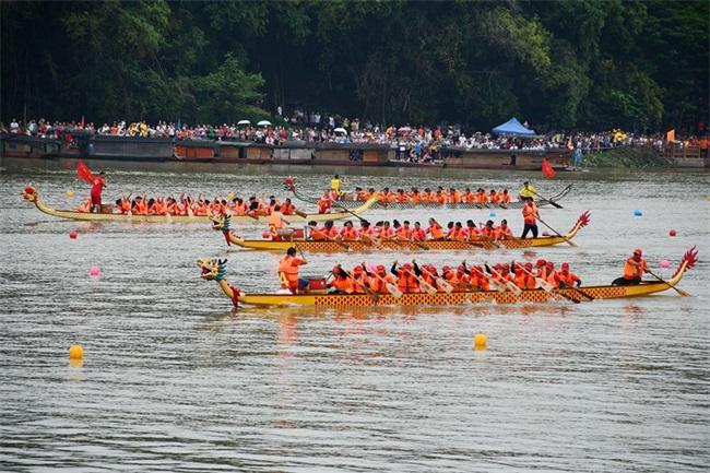 廣西龍州縣舉辦第六屆國際龍舟邀請賽