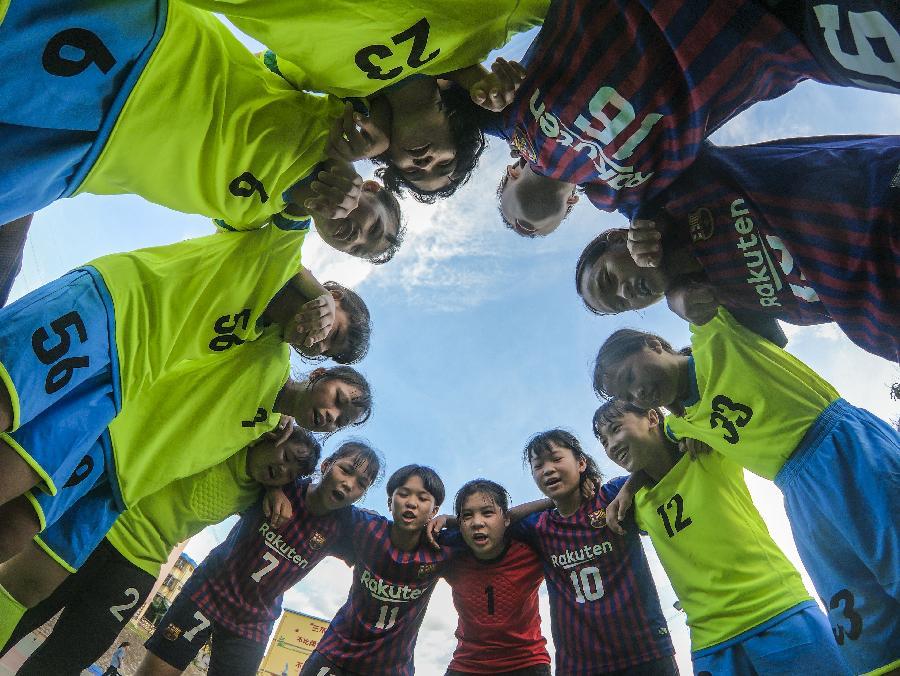 廣西上思:鄉村女孩的足球夢