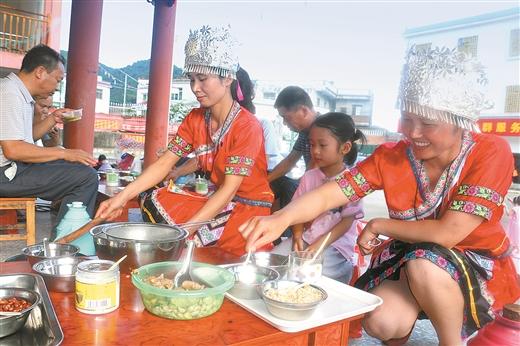 鐘山:瑤族群眾參加打油茶技藝培訓