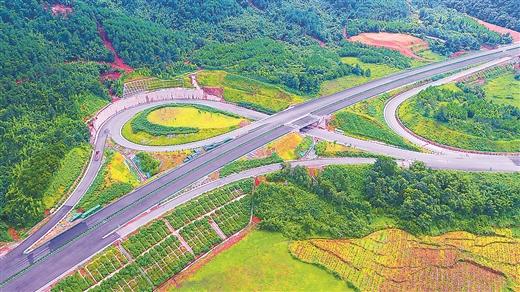 賀巴高速公路鐘山至昭平段已基本建成