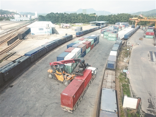 上半年梧州市鐵路貨運量同比增長68%