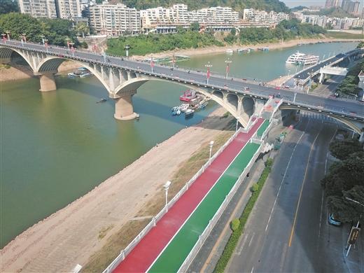 梧州市河東防洪堤提升工程加緊建設