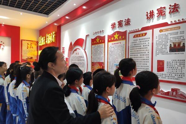 靖西市首個青(qing)少(shao)年法治(zhi)宣傳教育基地投入使用