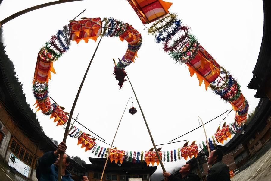 扎吊龍 迎(ying)新年——傳統手藝重煥生機