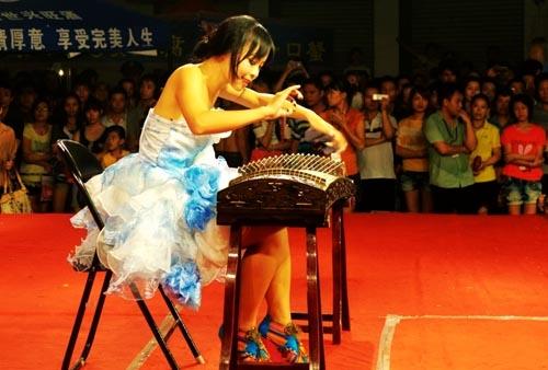 梧州:廣場演藝豐富百姓生活