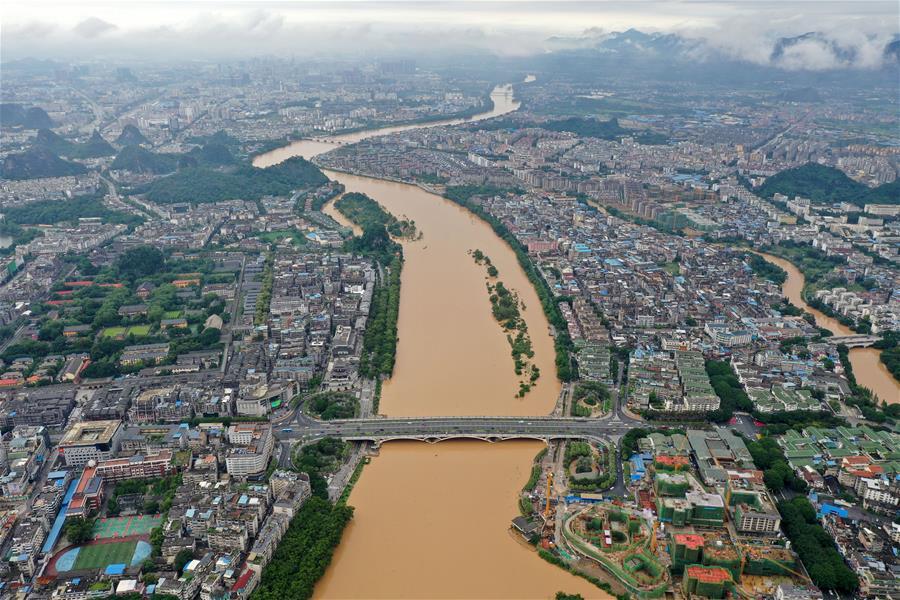 廣西桂林:暴雨致漓江水位超警戒線