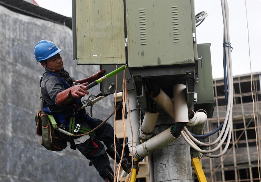 廣西桂林:線路搶修恢復供電