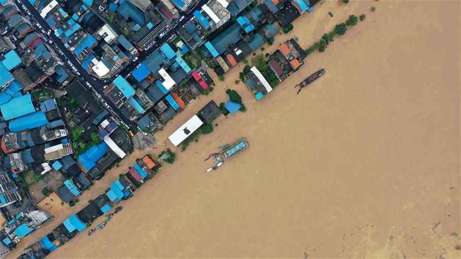 強降雨引發廣西融江水位暴漲