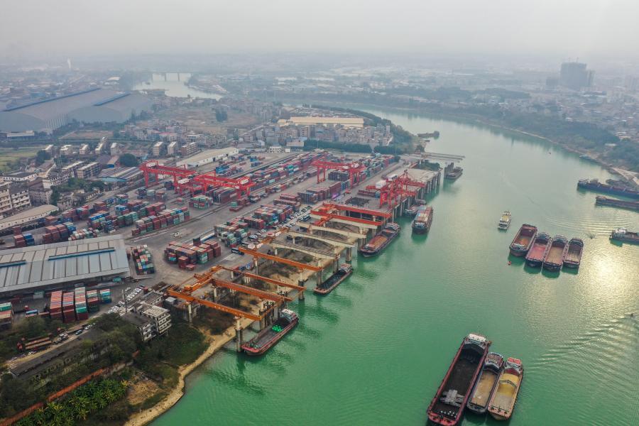 廣西貴港港2020年貨物吞吐量突破1億噸