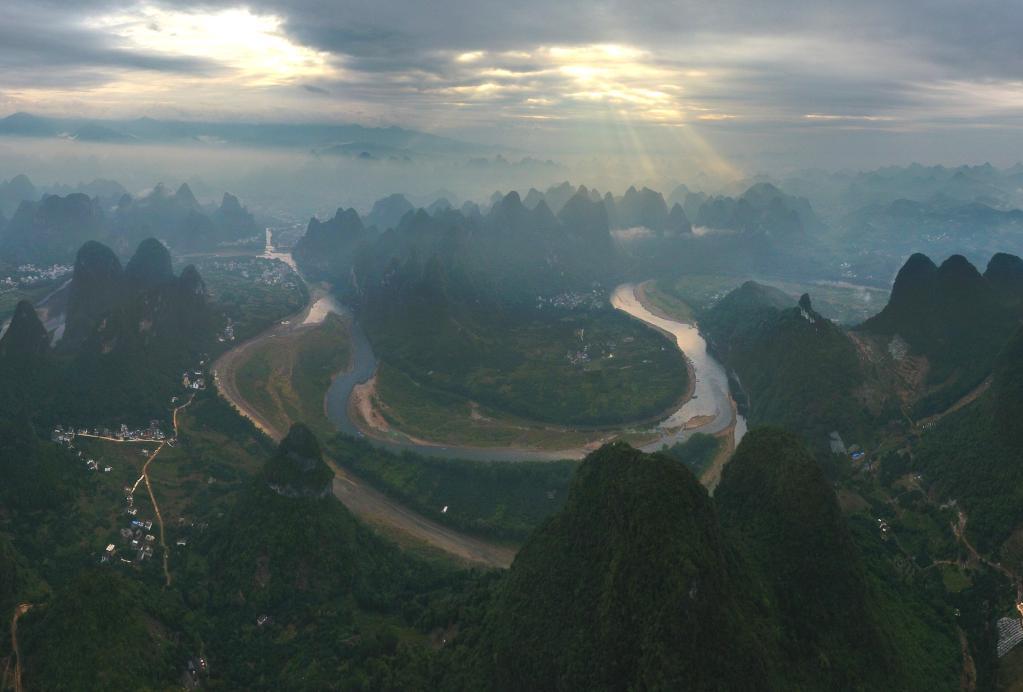 這條江,濃縮山水中國
