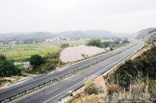 """玉鐵高速:""""東靠南下"""" 走向融合"""