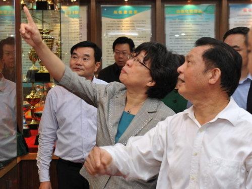 張世平蒞臨廣西國稅局考察工會工作