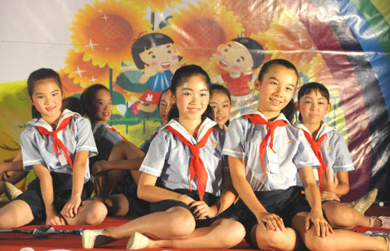 凭祥举办庆祝六一国际儿童节文艺晚会